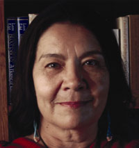 essays yellow woman leslie marmon silko Yellow woman and a beauty of the spirit: essays on native american life today by leslie marmon silko simon & schuster, 205 pages, $23.